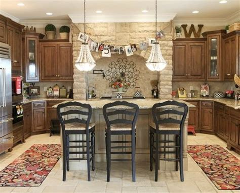 decorating  kitchen cabinets tuscan style