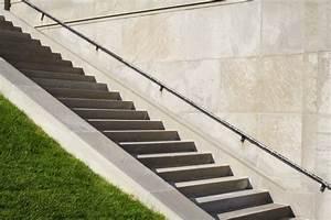 Fliesen Für Außentreppe : au entreppe aus stein kosten preise ~ Frokenaadalensverden.com Haus und Dekorationen