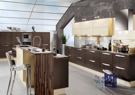 cuisine 9m2 avec ilot interior exterior plan add gloss elements to your kitchen
