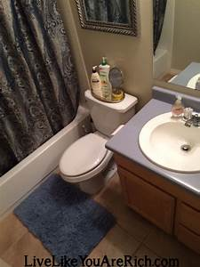 how to clean your bathroom in 7 minutes or less using With how to clean bathroom with vinegar