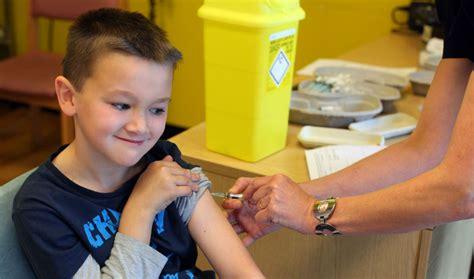 punture ai bambini sul sedere i vaccini saranno obbligatori per entrare a scuola wired