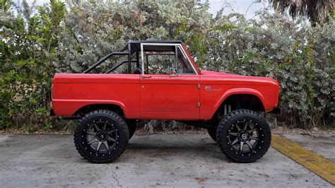 ford bronco pics    ford cars