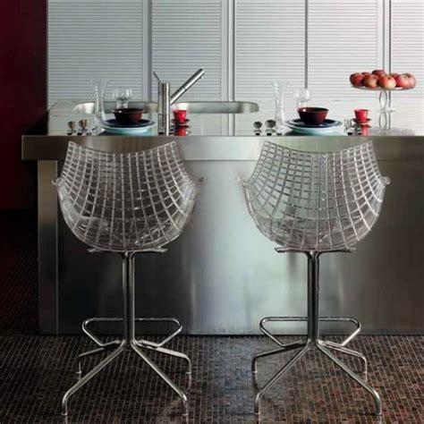 tabourets de cuisine design un tabouret de bar transparent chic et modernité archzine fr