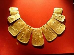 Machu Picchu Gold. Jeanne Bailey visits the Yale Peabody ...