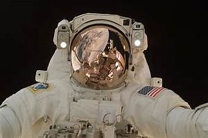 You're an Astronaut on a Spacewalk—and Your Helmet Is ...