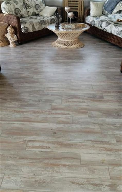 Pergo Xp Flooring Coastal Pine by Coastal Pine Laminate Flooring By Pergo Paint Colors For
