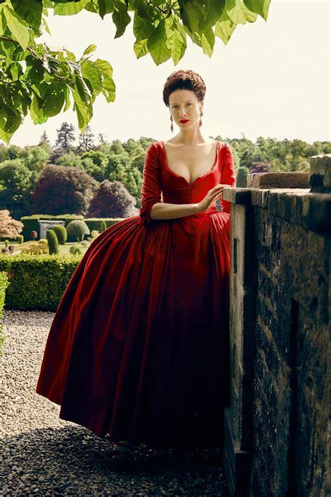 fashion moments  outlander season  instylecom