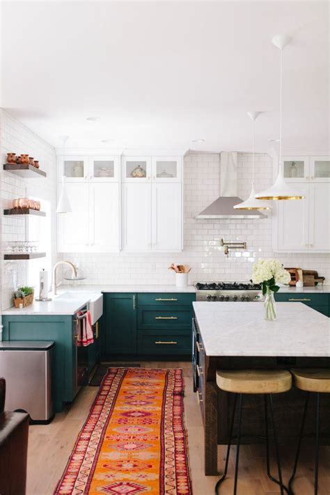 green kitchen cabinets best 25 green kitchen cabinets ideas on green