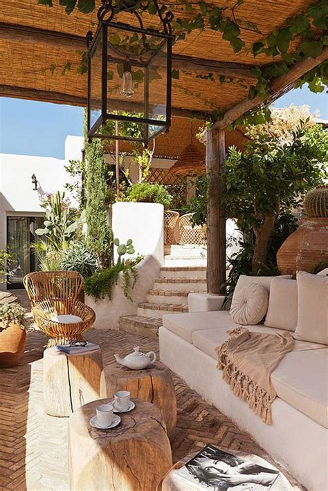 22 Artistic Mediterranean Outdoor Living Areas House