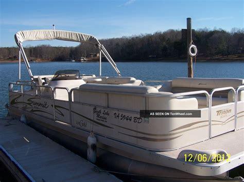 Triton Deck Boats by 2004 Triton Summitt Gold 240