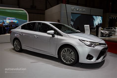 2015 Toyota Avensis Facelift Looks Sharper Than Ever In