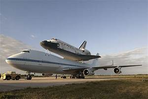 Discovery Mated To Shuttle Carrier Aircraft (KSC-2012-2292 ...