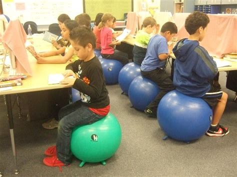 bounce wiggle and learn freedom chairs and student