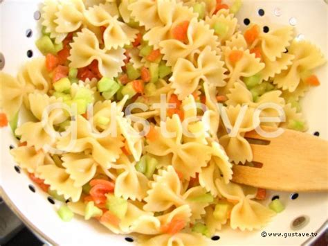 salade de p 226 tes au saumon fum 233 et au concombre croquant