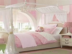 Bloombety girl small room decorating ideas girl room for Decorating girl room ideas