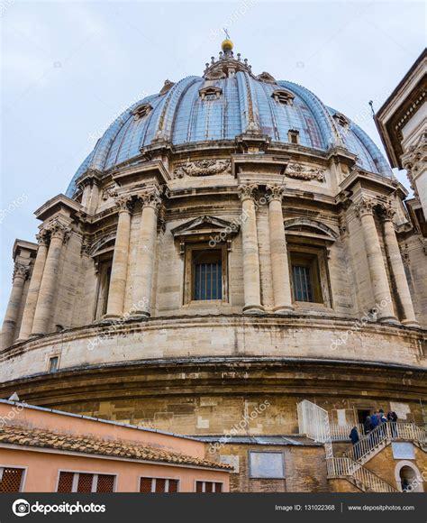 cupola san pietro la cupola della basilica di san pietro a roma vista dal