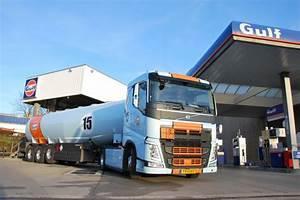 Station Service Luxembourg : premi re mondiale pour gulf luxembourg camion citerne aux couleurs l gendaires racing ~ Medecine-chirurgie-esthetiques.com Avis de Voitures