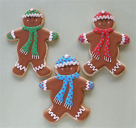 Decorating Gingerbread Men Cookies