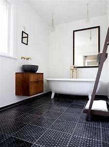 la salle de bain noir et blanc les dernieres tendances With salle de bain sol noir