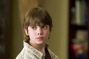 Alexander Gould as Shane Botwin - TV Fanatic