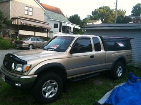 sell   toyota tacoma trd extended cab pickup