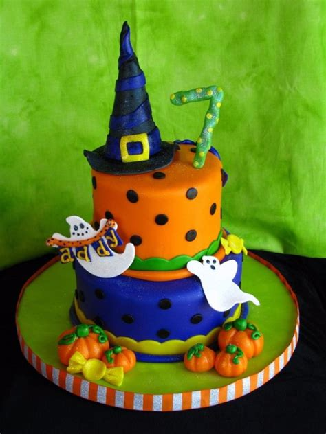 cute  scary halloween cake decorations family