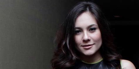 Janin Keguguran Usia 3 Bulan 5 Artis Indonesia Yang Pernah Mengalami Keguguran