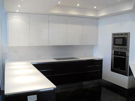 HIGH GLOSS WHITE & DARK WOOD KITCHEN   Modern   Kitchen