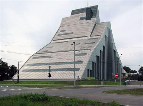 Skats uz LNB jauno ēku no Akmeņu un Mūkusalas ielas ...