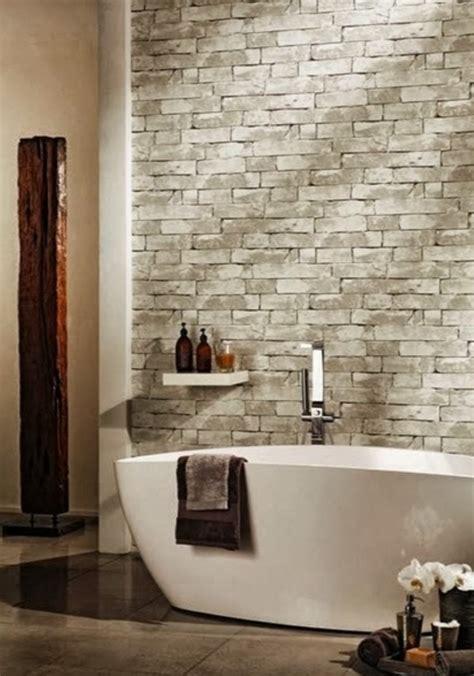 paredes empapeladas en el bano