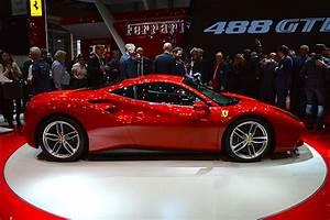 Ferrari Gtc4lusso Prix : ferrari 488 gtb nos images en direct du salon de gen ve 2015 ~ Gottalentnigeria.com Avis de Voitures