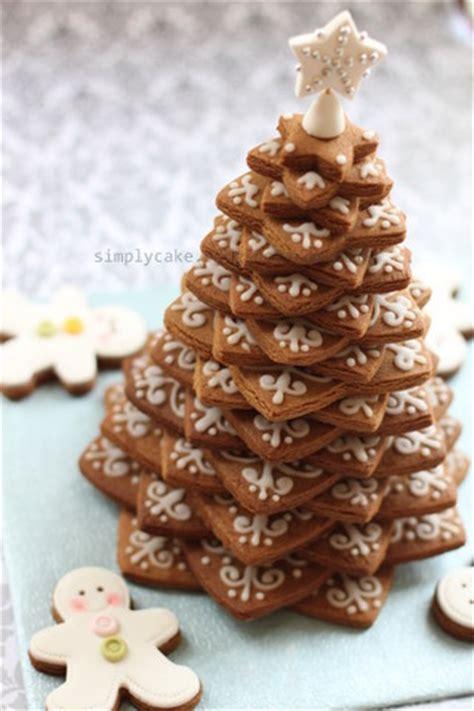 gingerbread cookies christmas tree stack star cookies