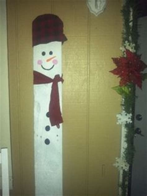 ideas for decorating iron fence posts for christmas 1000 images about fence board crafts on fence boards 2x4 crafts and fence posts