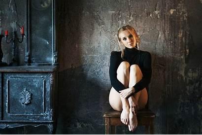 Dasha Sitting Portrait Chair Maxim Blonde Maximov