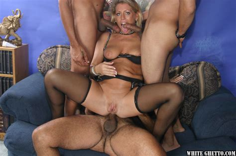 Mature Cowgirl Chelsea Zinn Has A Wild Groupsex While In
