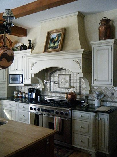 to paint kitchen cabinets 616 best images about kitchen ideas on 7175