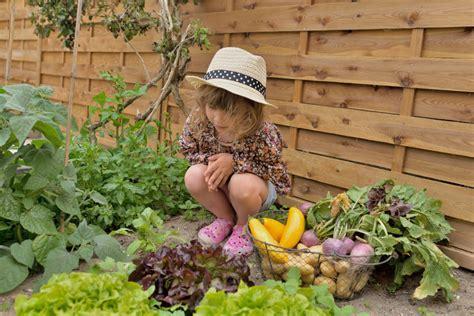 Kindgerechter Garten Wie Der Heimische Garten Fuer Kinder Zum Paradies Wird by So Planen Und Gestalten Sie Ein Kindgerechtes