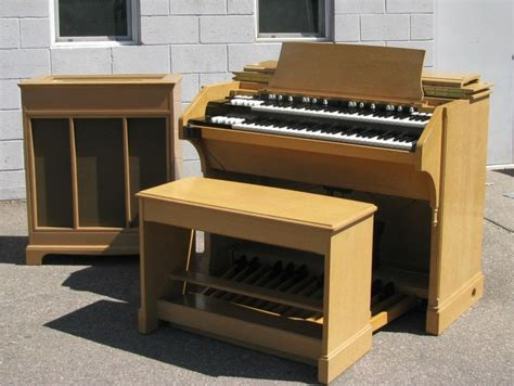 hammond pr 40 tone cabinet hammond c 3 organ and matching pr 40 tone cabinet in