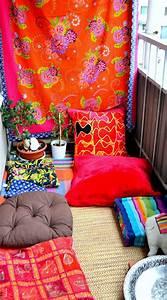 Colorful And Small Boho Chic Balcony Ideas