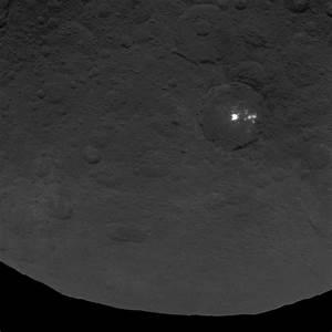 Ceres' Odd Bright Spots Coming Into Focus (Photos)