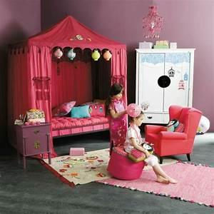Enfant Lit Fille : le lit baldaquin enfant comment faire la d co pour la chambre ~ Teatrodelosmanantiales.com Idées de Décoration