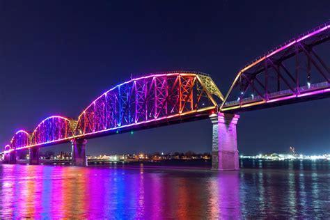 big  bridge louisville kentucky usa color kinetics