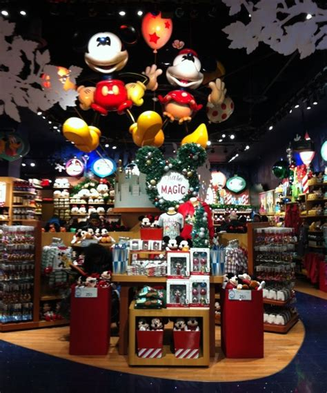 decorating the new york city disney store for christmas