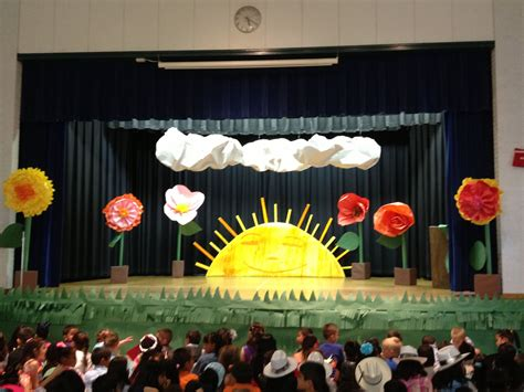 eric carle stage set  kindergarten pinterest stage