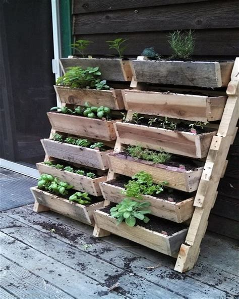 pallet planter recycled pallet wood planters pallet wood projects