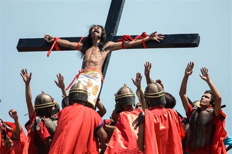 pictures easter crucifixion   philippines