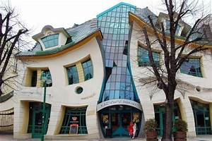 Crooked House in Sopot, Poland The strangest houses in the world