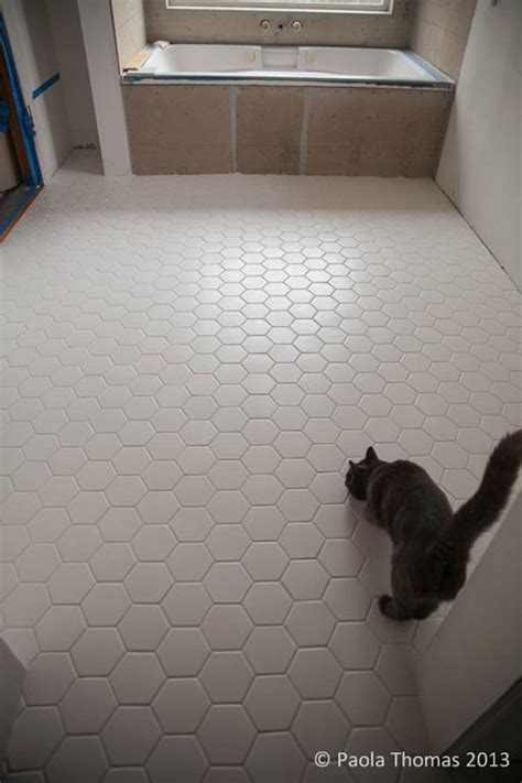 Hexagonal Tiles For Bathroom Floor by 4 Inch Hexagon Savoy Tiles Made By Crossville Inc Bath