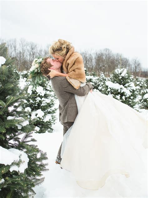 tips   gorgeous snowy winter wedding pictures