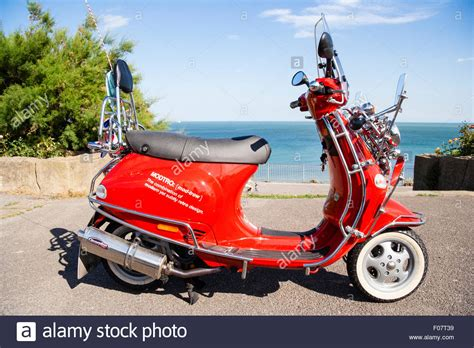 motor scooter vespa et4 125 modified many wing mirrors as per mods stock royalty free